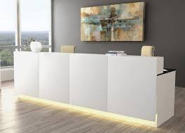 Moderner Schreibtisch Moderner Kundenberater Schreibtisch Mit Thekenvorbau Als Sichtschutz