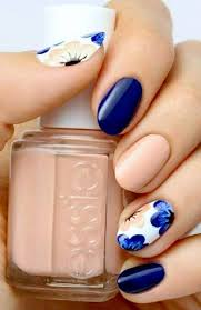 mesmerizing blue white nails for a soft look