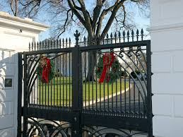 Decorate Home Christmas White House Christmas 2012 Decorating America U0027s First Home For