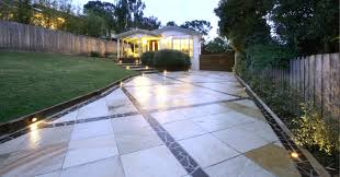 indian sanstone paired with bluestone mosaic loving the contrast