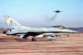 what it u0027s like to fly the f 16n viper topgun u0027s legendary hotrod
