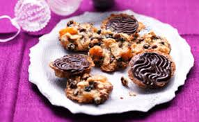 kirstie allsopp shares her recipe for chocolate florentines the