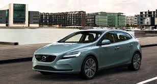 lexus ct200h lowyat iscar 高級小型掀背車強棒接連上 6月初infiniti q30要發表 9月還有