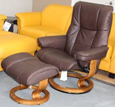 stressless mayfair medium paloma chocolate leather recliner chair