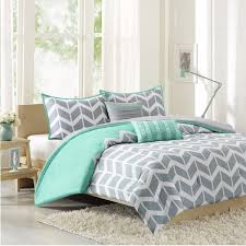 Duvet Vs Coverlet Difference Between Duvet Vs Comforter Overstock Com