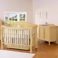 Natural Wood Convertible Crib by Da Vinci 2 Piece Nursery Set Parker 4 In 1 Convertible Crib U0026 2