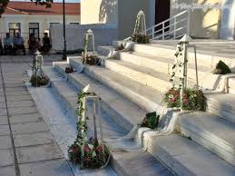 Budget Home Decor Websites Christmas Staircase Decorations Ideas For This Year Decoration 14