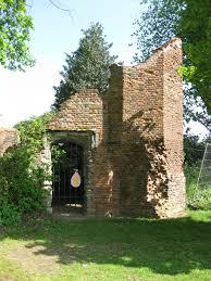 file ashby de la zouch castle small brick tower jpg wikimedia