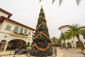 Christmas Town Decorations Photos First Look At The New Holiday Decor In The Town Center At