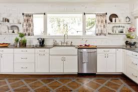 do you use knobs or pulls on kitchen cabinets why the placement of your cabinetry knobs and pulls matters