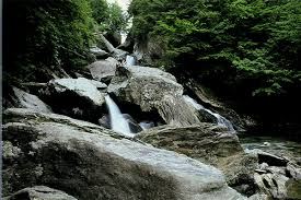 Vermont wild swimming images Brewster river gorge vermont jpg