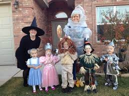 19 of the cutest family theme costumes for today