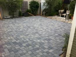 Backyard Pavers Diy Paver Patio Designs Photos Paver Brick Patio Design Using 3 Color