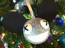 how to make a deadmau5 ornament that lights up 9 steps