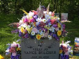 Christmas Decoration For Gravestone by 40 Best Grave Blankets Images On Pinterest Cemetery Flowers