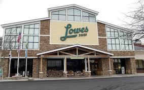county luring a lowes grocery store the state