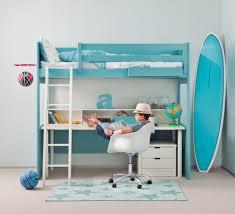 lit surélevé avec bureau lit surélevé enfant exploiter la hauteur pour gagner de la place