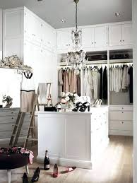 Small Chandeliers For Closets Best 25 Bedroom Chandeliers Ideas On Pinterest Master Mini