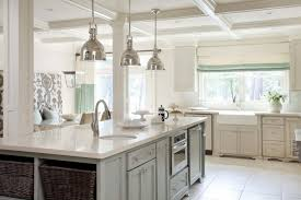 paint for cabinets sherwin williams navajo white sherwin williams