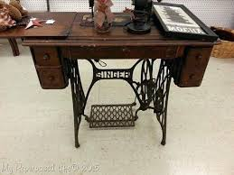 cheap sewing machine cabinets old singer sewing machine table singer treadle machine singer sewing