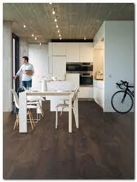 Wood Floor In Kitchen by Best 25 Laminate Flooring In Kitchen Ideas Only On Pinterest