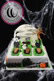 halloween cakes pinterest 18 best halloween cake decorating images on pinterest cake