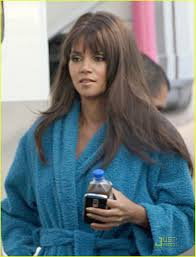 back view of halle berry hair halle berry hair today gone tomorrow photo 1516921 halle