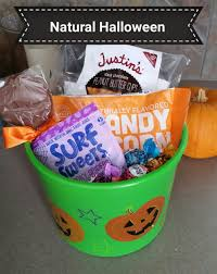 halloween candy gift basket natural halloween candy alternatives crunchy mama