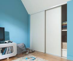 couleur qui agrandit une chambre comment peindre une chambre en 2 couleurs fashion designs