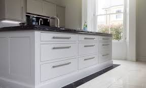 am agement cuisine professionnelle bespoke in frame shaker painted kitchen in f b purbeck