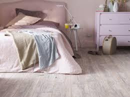 parquet chambre fille une chambre cosy pour l automne décoration castorama