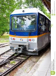 treno cremagliera diakofto grecia 14 giugno treno della ferrovia famosa di