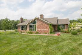 4 bedroom split level ranch south of columbia on 11 acres the