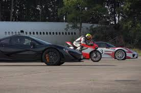 porsche 918 crash drag race mclaren p1 vs porsche 918 spyder vs ducati 1199