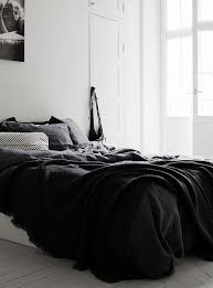 Black And White Bed 7 Ways To Cozy Up Your Bedroom For Fall Cozy Apartment Bedrooms