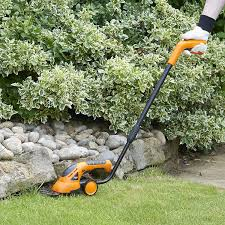manual hedge trimmer amazon com vonhaus 2 in 1 cordless grass shears hedge trimmer