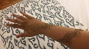 simple hand henna design looovee it picture of henna bali