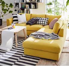 créer canapé ce canapé modulaire jaune doré vous permet de créer exactement la