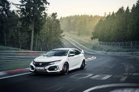 honda civic crowned top car 2017 honda civic type r featured in new ad motor trend