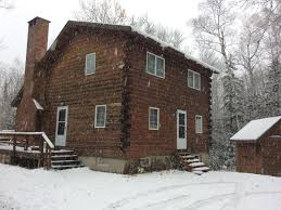 beautiful saltbox log cabin located homeaway carrabassett valley