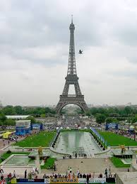 the eiffel tower the most romantic places on the earth