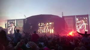 roses i want to be adored t in the park 2016