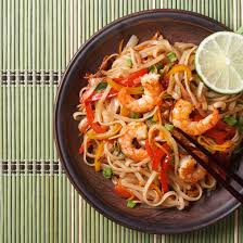 comment cuisiner des nouilles chinoises recette nouilles sautées aux crevettes