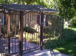 Front Yard Metal Fences - download outdoor gates and fences garden design