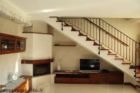 soggiorno sottoscala beautiful arredare sottoscala soggiorno gallery idee arredamento
