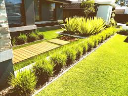 Front Lawn Garden Ideas Easy Front Yard Landscaping Ideas For Gallery With Pictures Of