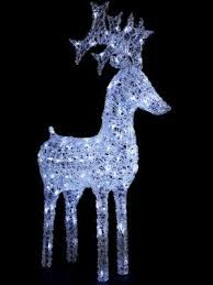 gold mesh lighted reindeer kit these would look beautiful even