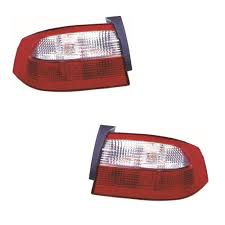 renault laguna mk2 hatchback 2001 4 2005 outer rear tail lights