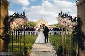 Wedding Chapels In Houston Outdoor Wedding At Houston Oaks Country Club Pool Wedding