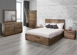 photos de chambre à coucher chambre a coucher bois massif beau chambre a coucher bois massif